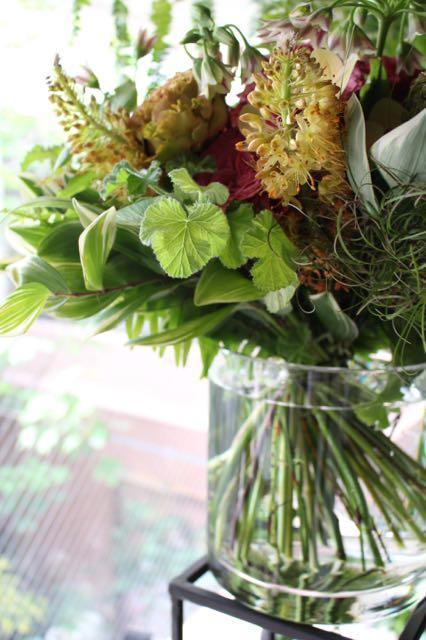 特選花束 L 今様色 imayouiro 野花で摘んできたかのような素朴な草花に 高級花のオーキッドを合わせました