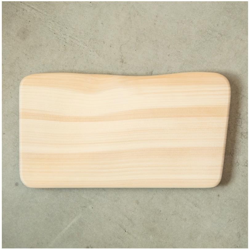 【日本製】woodpecker(ウッドペッカー) いちょうの木のこどもまな板 左右兼用