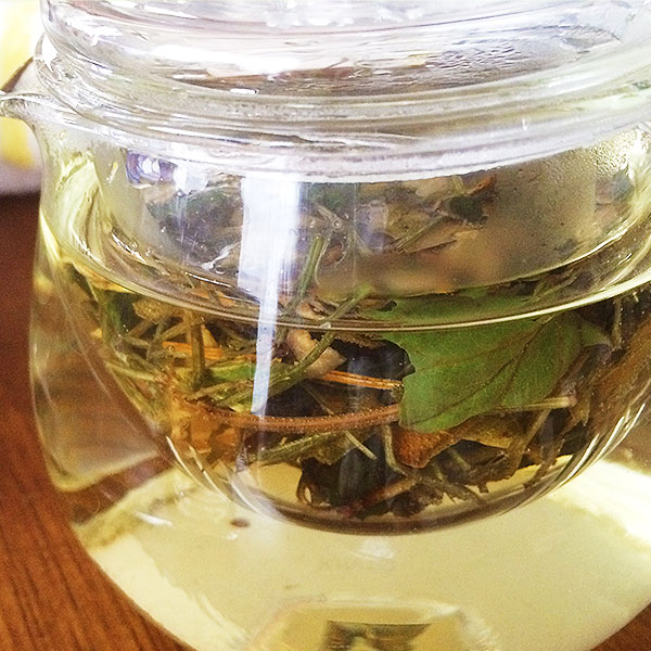 久万高原野草茶「そよかぜ」