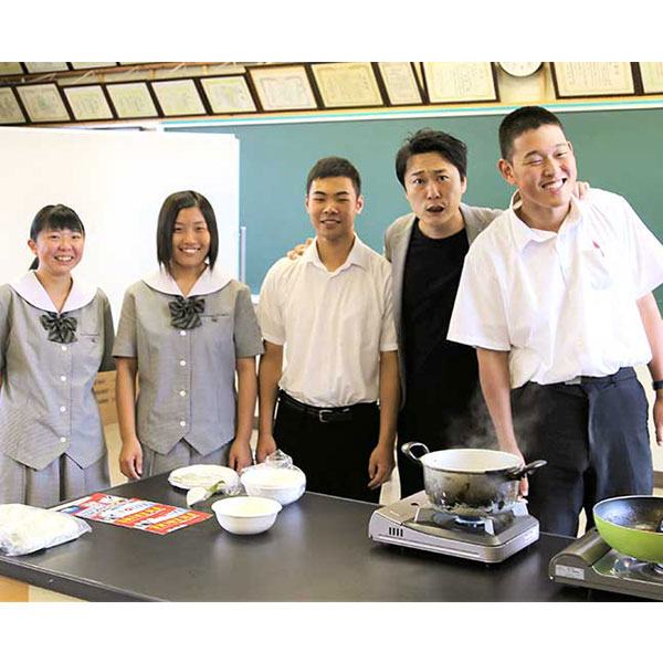 【食品ロス削減】上浮穴高校 桃太郎とまと ハヤシソース×30パックセット