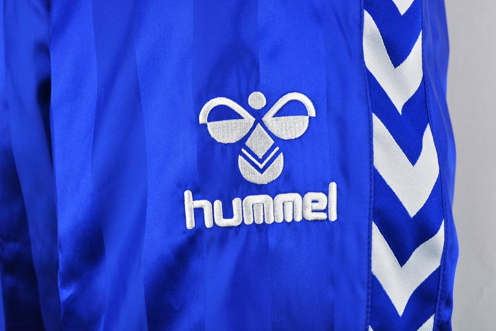 HUM018 hummel ウォーマーパンツ