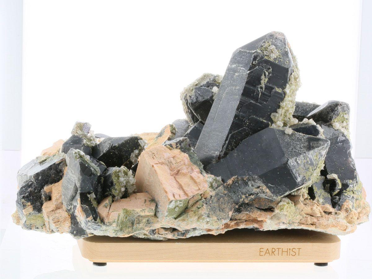 黒水晶 (モリオン) 原石(木製台座付き)