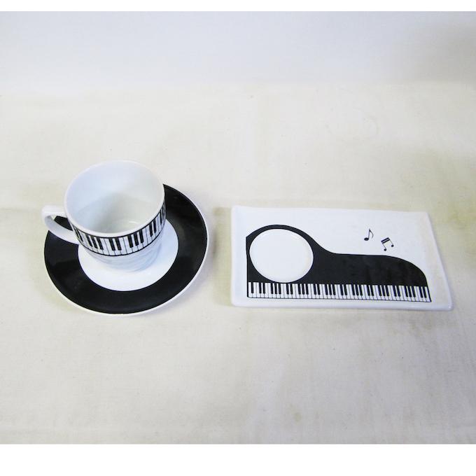 かわいいピアノ柄のコーヒーカップソーサーに小皿、ディナーセット、ティースプーン、フォークセット FB