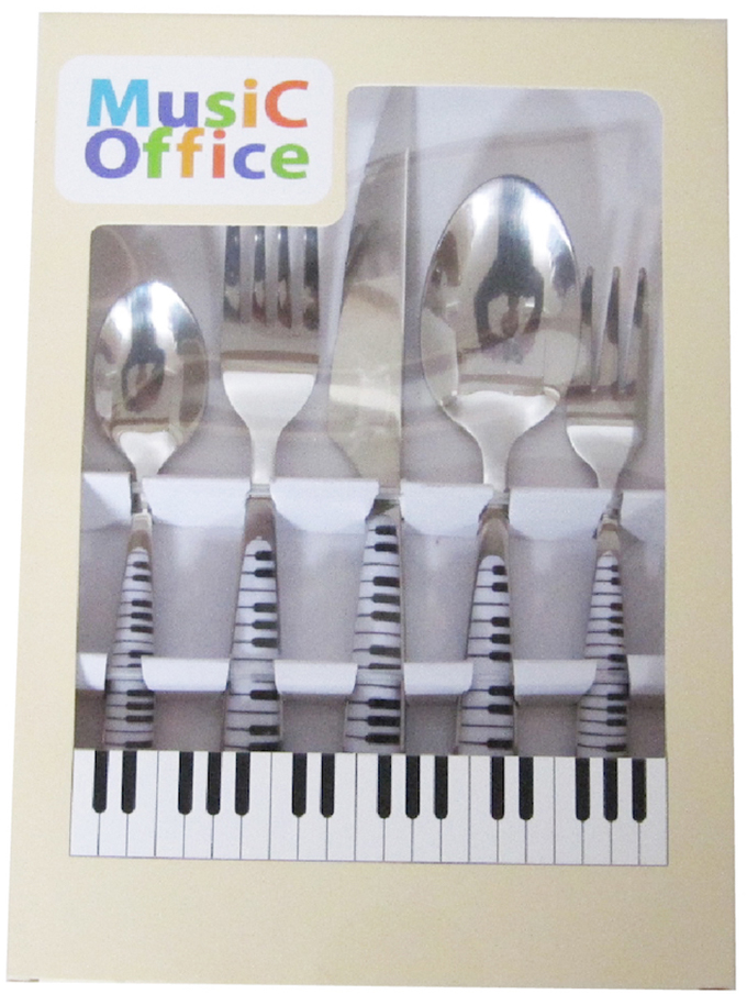 かわいいピアノ柄のコーヒーカップソーサーに小皿、ティースプーン、フォークセット