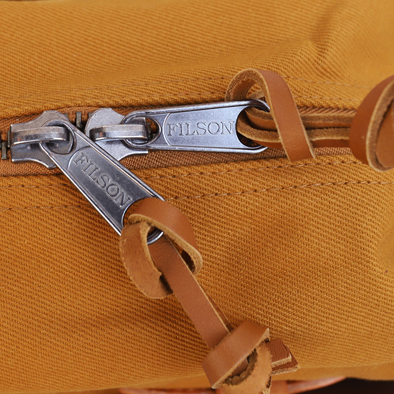 FILSON/フィルソン TOTEBAG WITH ZIPPER CAMEL