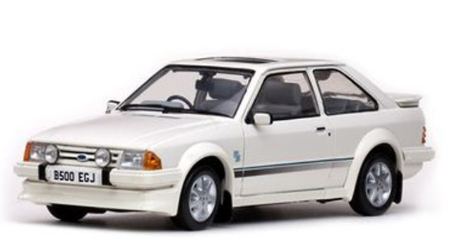 予約4963R サンスター 1/18 フォード エスコート RS ターボ 1984 ダイアモンドホワイト RHD
