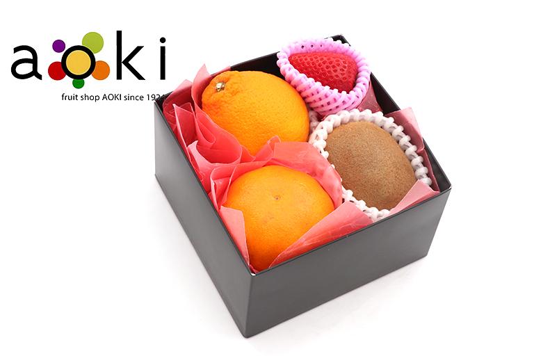 【ご贈答】プチフルーツギフトA[デコポン いちごまたは白いちご キウイフルーツ おすすめ柑橘]