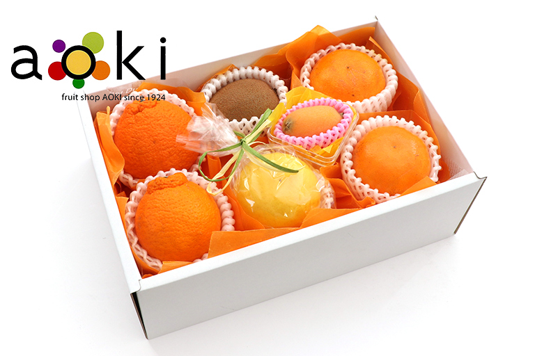 【送料込】四季の贈り物フルーツギフト3B[デコポン キウイフルーツ びわ おすすめ柑橘2種]