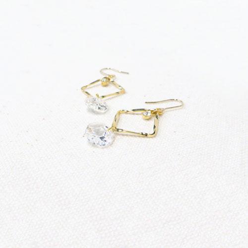 Jewel color-ジュエルカラー-フックピアス・ダイヤ×ラウンドストーン【アレオリ】