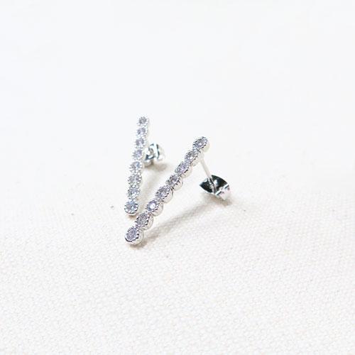 Cristal Pebble-クリスタルぺブル-ピアス-スティックライン-【アレオリ】