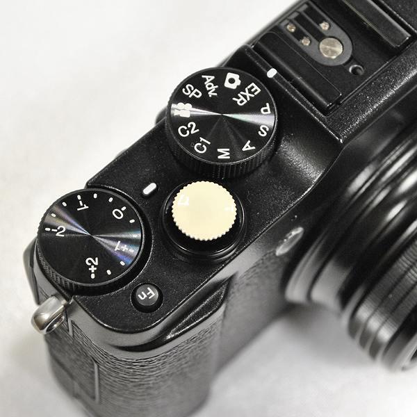 【ネジ式】 オリジナルレリーズボタン 直径10mm ベージュ|R-10-15<br>【DM便送料当社負担|こちらの商品はDM便にて発送いたします/代引き・日時指定不可】