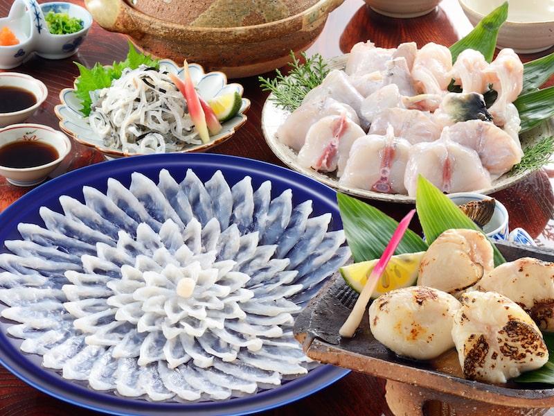 【贈り福】とらふぐ料理フルコース(30cm陶器皿・3〜4人前)とらふぐ白子付き