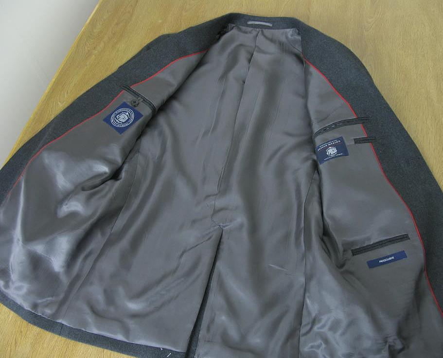 J.PRESS(ジェイプレス) スーツ メンズ 秋冬 トラッド新1型 段返り3つボタン NEW AUTHENTIC MODEL チャコールグレー無地 A6 A7 AB4