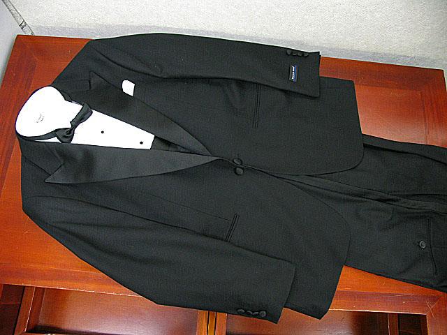 レンタルタキシード どこよりも長い2週間レンタル 貸衣装タキシード(MARCO RICCI)ピークドラペル 送料・返送料・クリーニング代全て込み