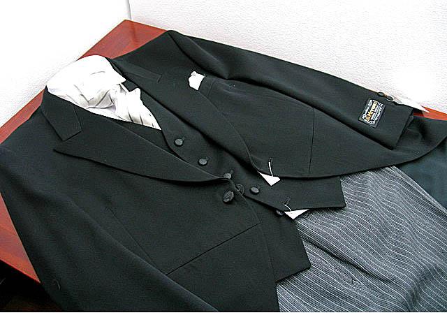どこよりも長い2週間レンタル モーニングコート貸衣装国産最高級品 送料・返送料・クリーニング代全て込み 往復送料無料