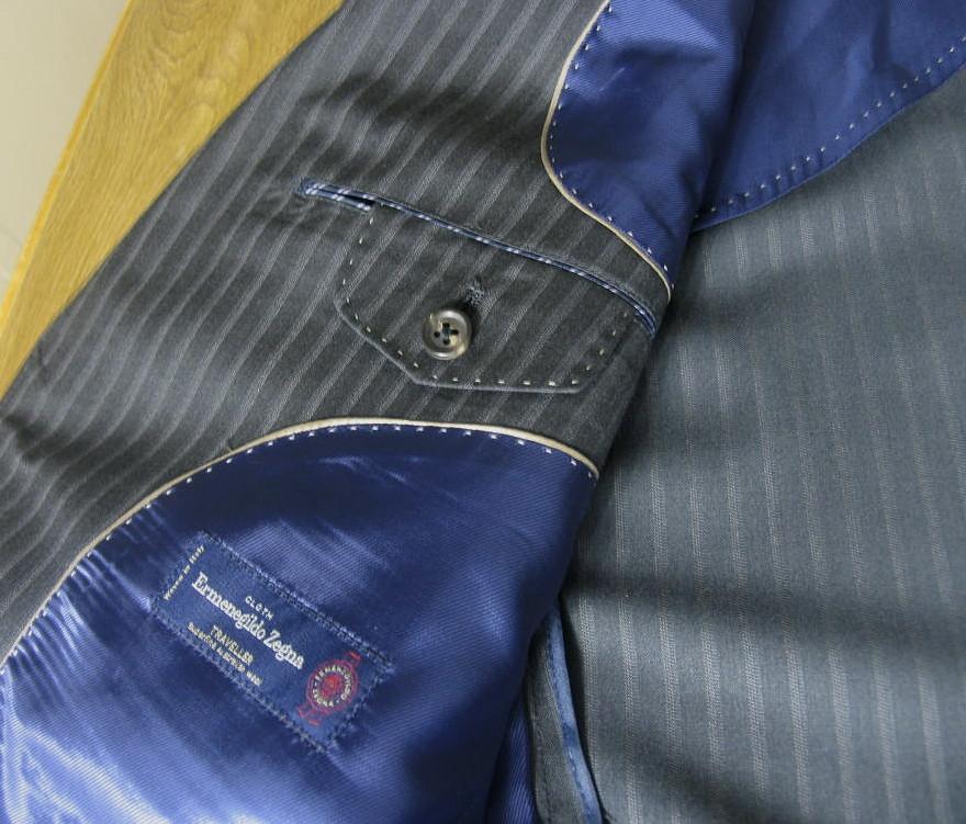 Ermenegildo Zegna(エルメネジルド ゼニア) スーツ メンズ 春夏 2つボタン シングルスーツ ストライプ チャコールグレー 5318 AB4 AB6