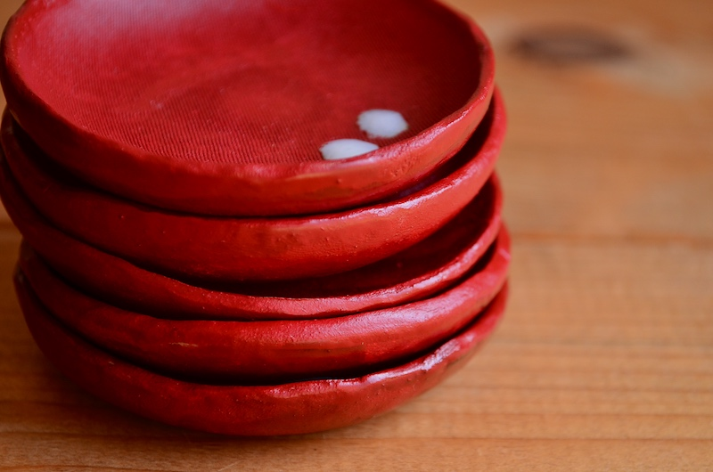小皿:陶漆