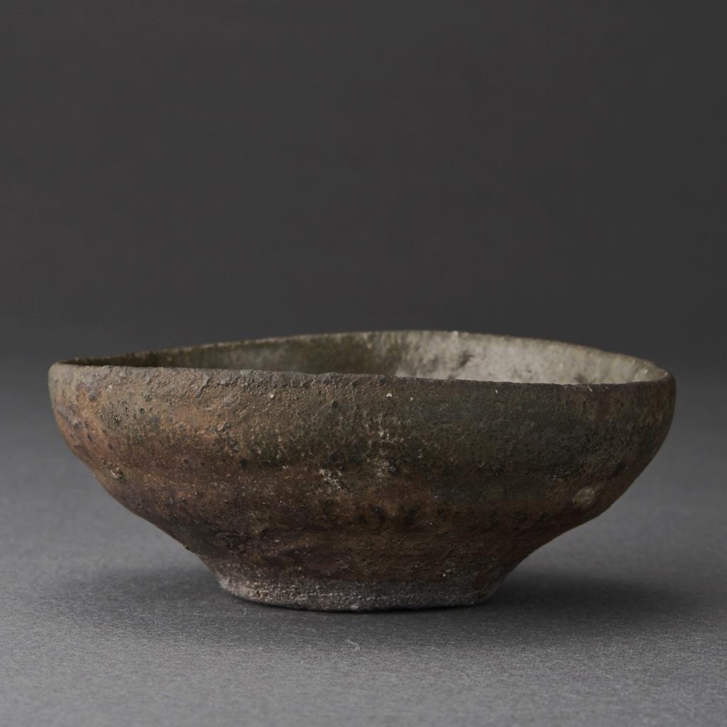 黒唐津ぐい呑(三藤るい)Karatsu Sake Cup(Rui Mitou)