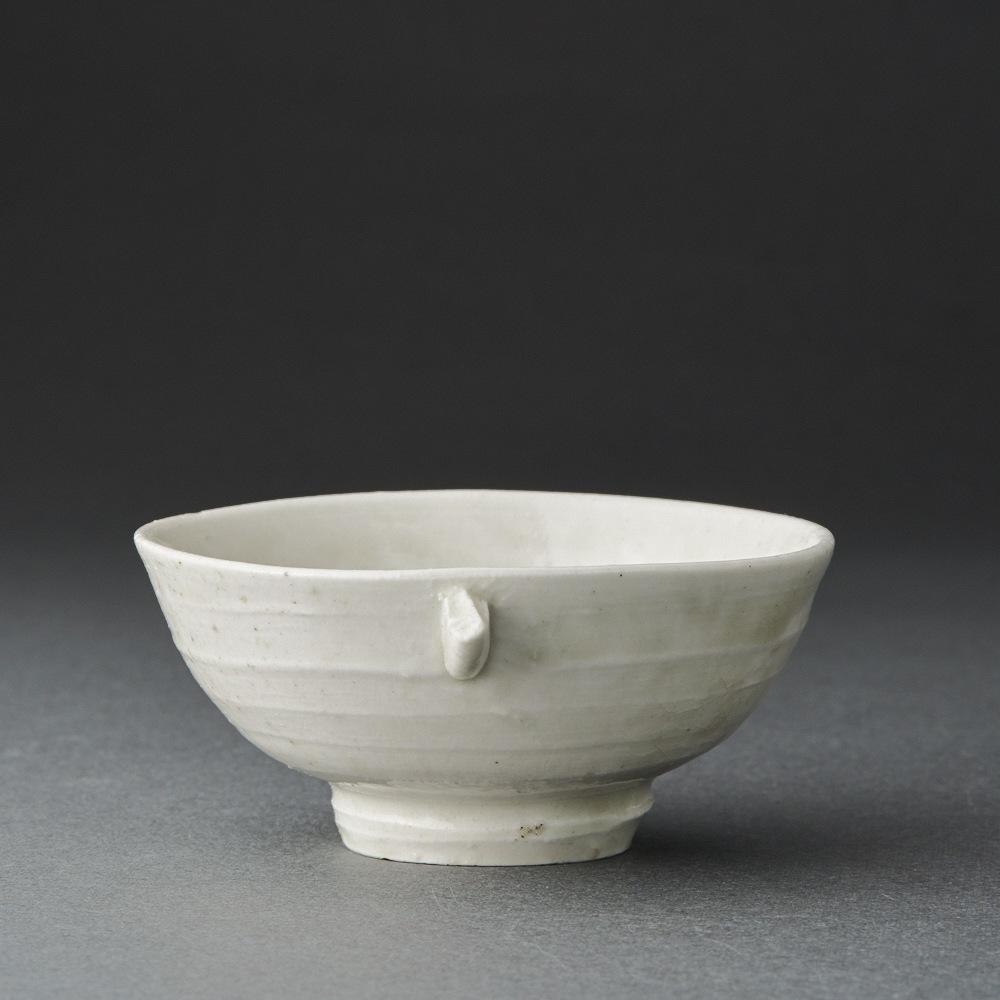 白磁耳盃(梶原靖元)White Porcelain Sake Cup(Yasumoto Kajiwara)
