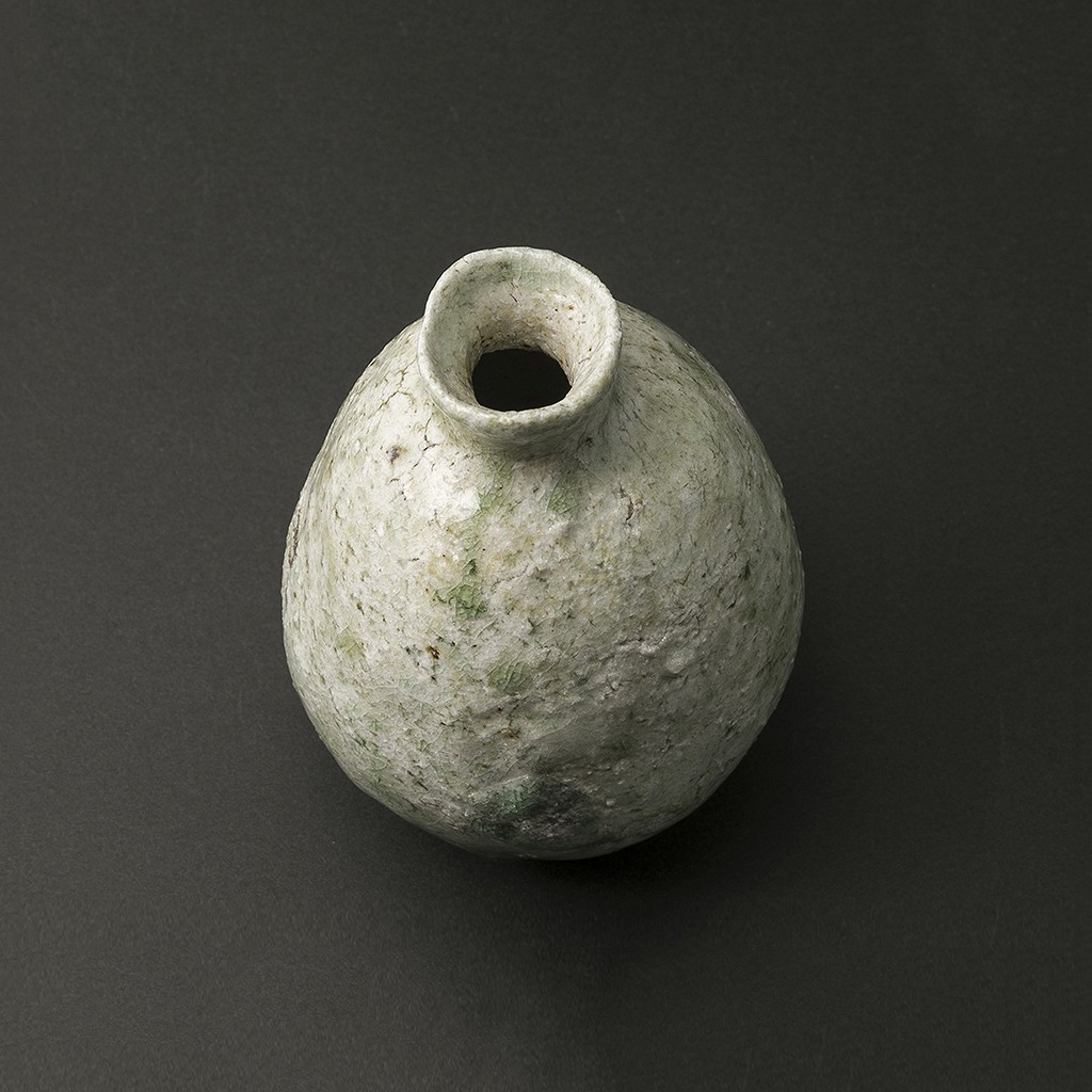 信楽引出徳利(松本伴宏)Shigaraki Sake Bottle(Tomohiro Matsumoto)