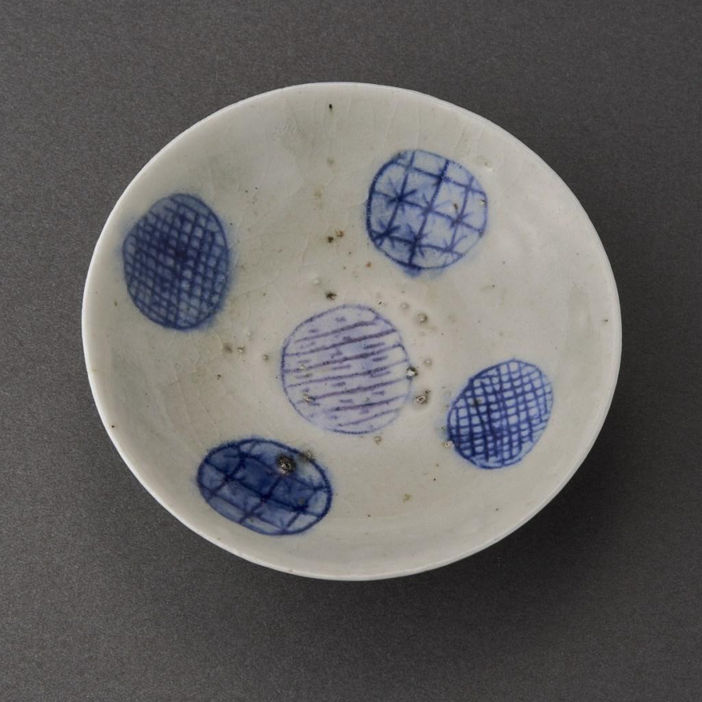 染付平盃(丸田宗一廊)Blue Painting porcelain Sake Cup(Soichiro Maruta)