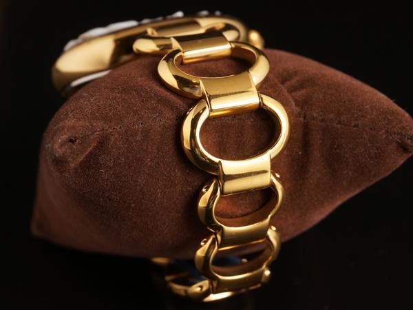 カメオ イタリアーノの腕時計 イエローゴールドベルト 専用ケース付き