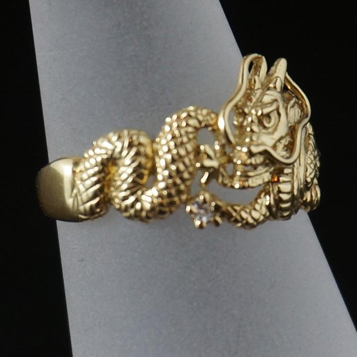 【18K】ダイヤを持った龍のリング(小)