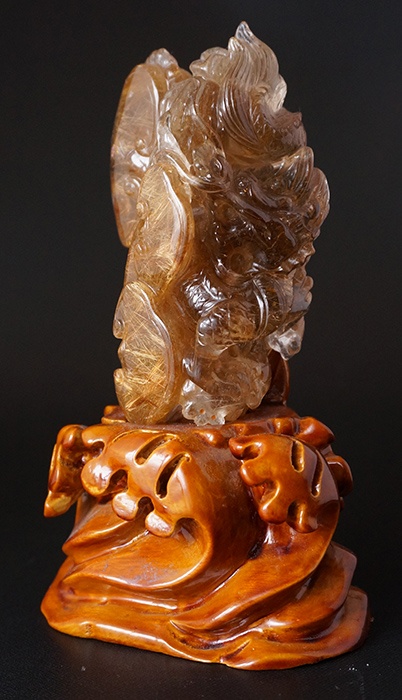 【龍の彫刻】ルチルクオーツ(台付き)