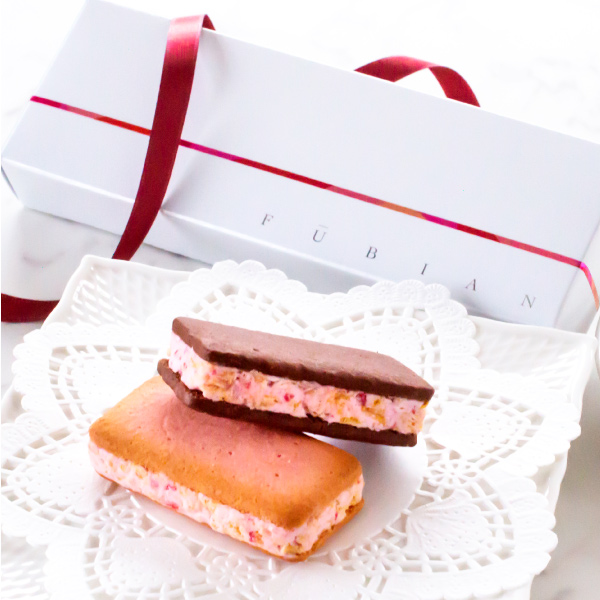 お菓子ギフト あまおうサンドクッキー2個入 苺きらら ショコラサンドクッキー あまおう苺 プチギフト 博多風美庵 (宅急便発送) Pgift