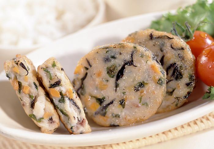 【冷凍】わかめとひじきの海鮮ステーキ 30G 50食入 (味の素冷凍食品/魚介練物)