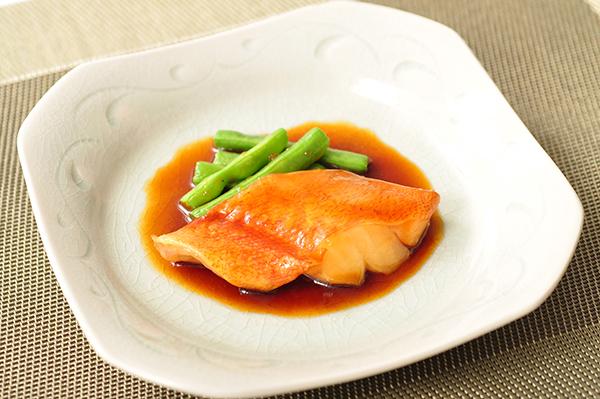 【冷凍】楽らく調味 骨なしUSA赤魚(生)煮付 360G (株式会社大冷/和風調理品/魚介煮物)