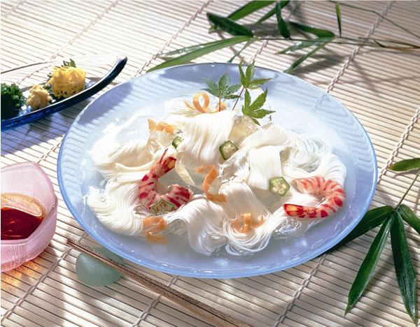 【常温・冷凍】レシピ/蒸し鶏とソーメンのサラダ仕立て