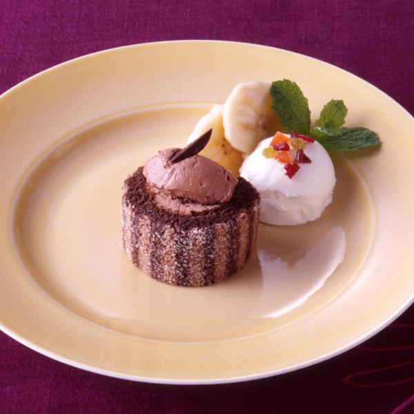 【冷凍】PSロールケーキ(ショコラ) 200G (テーブルマーク/冷凍ケーキ/フリーカットケーキ)