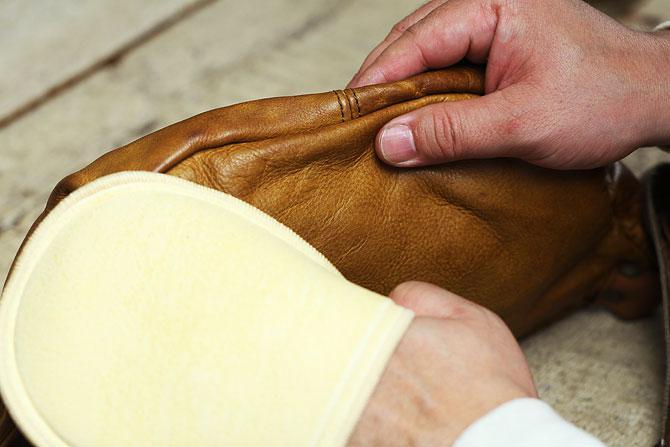 HGグローブシャイン 革のお手入れ用 磨きグローブ コロンブス