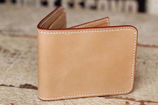 ヌメ革 二つ折り メンズ 財布 小銭入れなし 手縫い ショートウォレット 栃木レザー