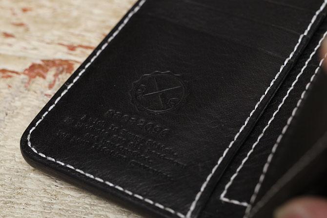 NEW YORK ブラックレザー ミドル財布 手縫い ミドルウォレット M.P.G. cuoificio社 ボックス小銭入れタイプ