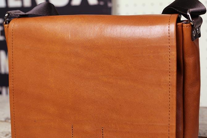 横型 レザーショルダーバッグ メンズ オイルバケッタ 本革 バギーポート B5サイズ GRN-2032