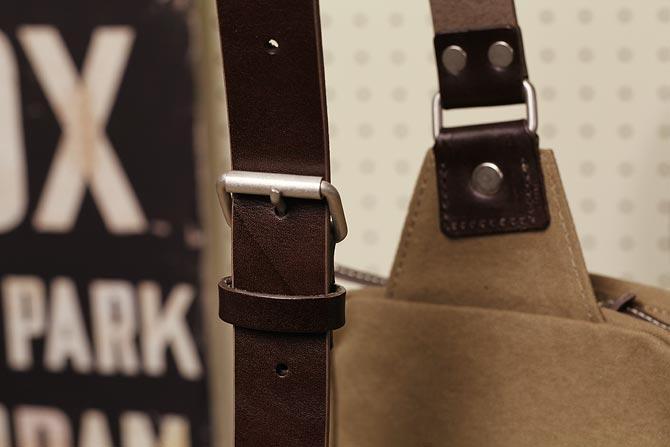 ハンプの縦型ボディバッグ メンズ カラーバイオ帆布 BAGGY PORT バギーポート grn 1504
