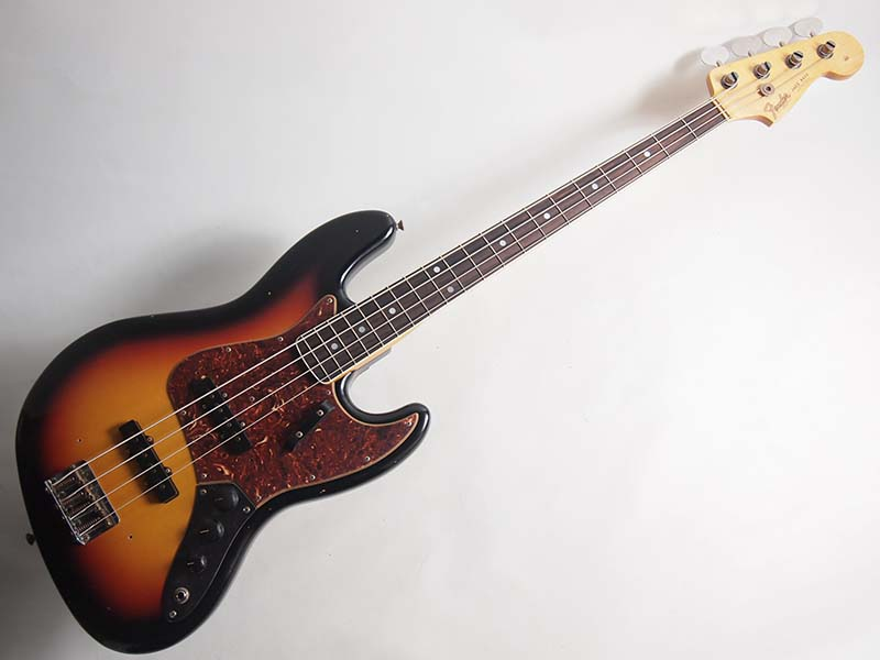Fender Custom Shop/2016 TIME MACHINE 1966 Journeyman Relic Jazz Bass 3-Color Sunburst【フェンダー】