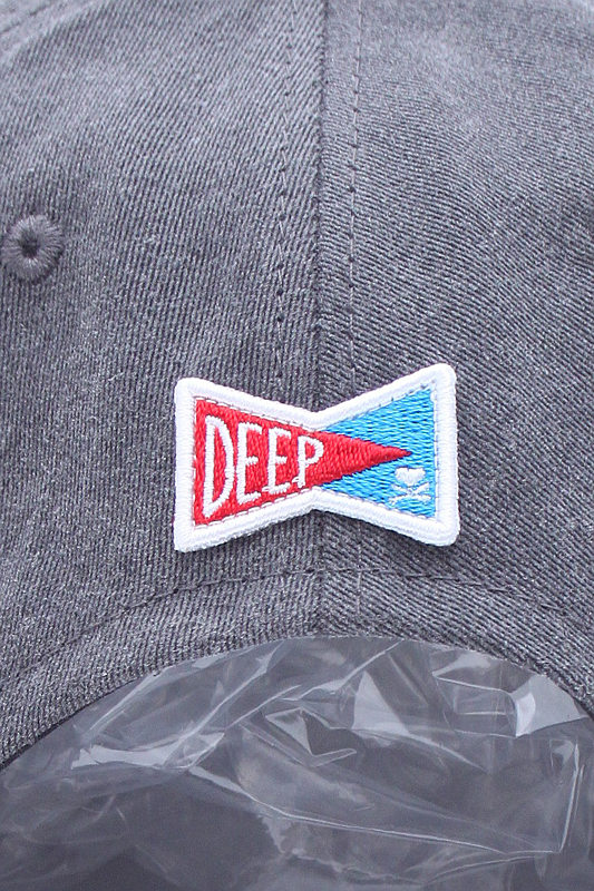 【SALE】DEEP Pigment dye Embroidery Surf Logoパネルキャップ