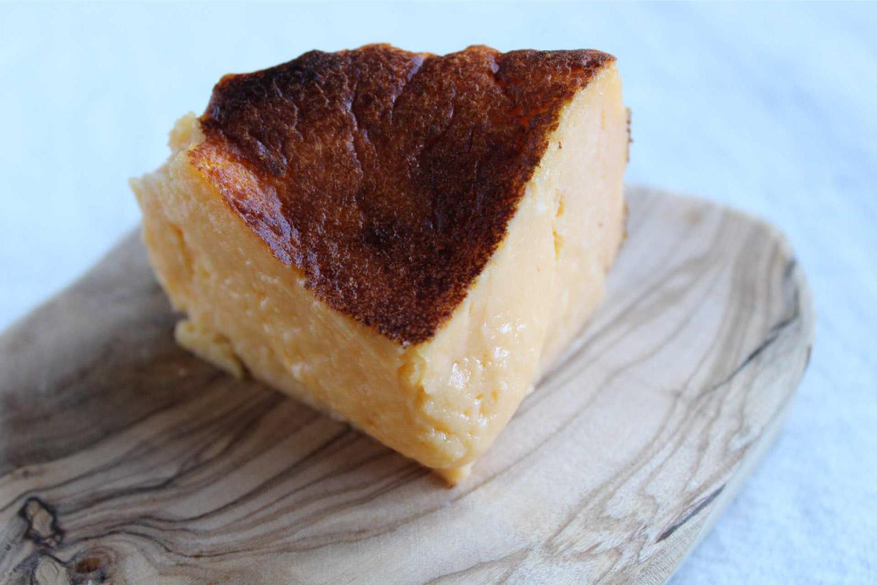 【送料無料】2つの味が楽しめる!コルテッツァチーズケーキセット(プレーン+ラムチェリー)