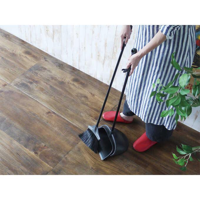 ほうき ちりとり セット おしゃれPORTE レッド 室内 屋外赤/掃除道具 玄関/ベランダ 掃除/掃除用具/箒/