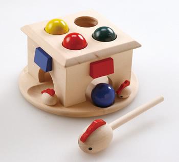 【完売】森のあそび道具シリーズ たたいてコロン★ボールをたたくとコロンと出てくる!ハンマートイ