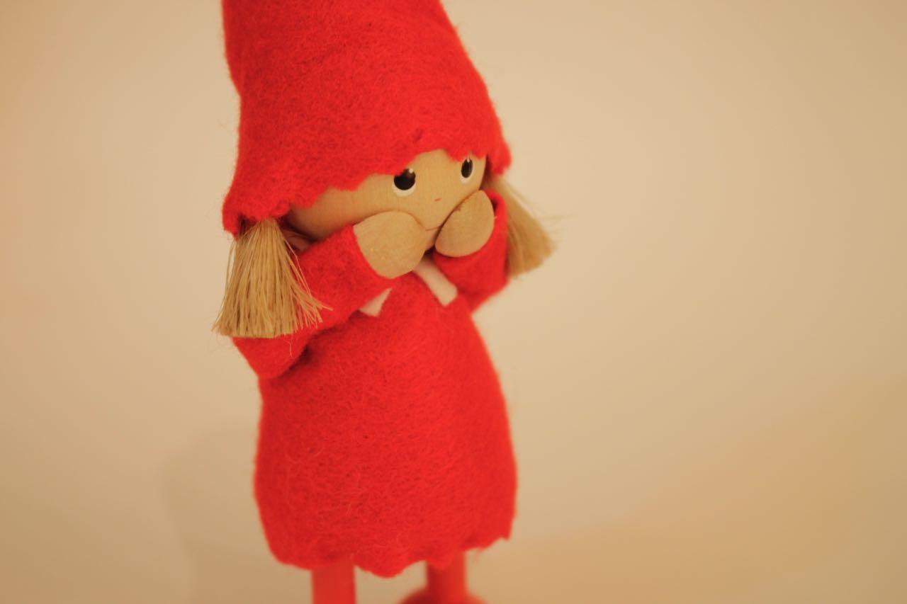 �【限定5】Nordic 木製人形 女の子(present)-red&女の子 (smily)-red 2点セット