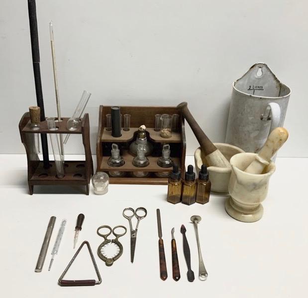 科学 ・ 医療器具 (3点)