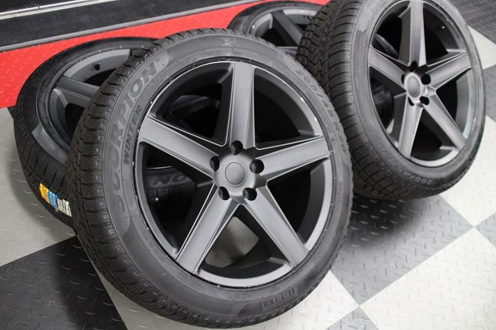 【即納】【限定1セット特価】06−10y ジープ コマンダー 新品20インチ WH艶消しホイール & スタッドレスタイヤ セット
