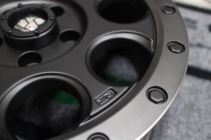 02−12y ジープ チェロキー 【17インチ】 ホイール ディーラー車/車検対応 【フラットブラック/スモークフランジ】