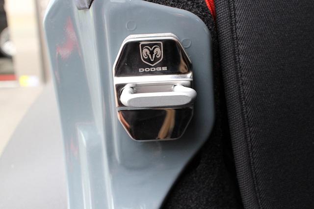 汎用 ダッジ クロームメッキ ドア ストライカー ガード 4枚セット
