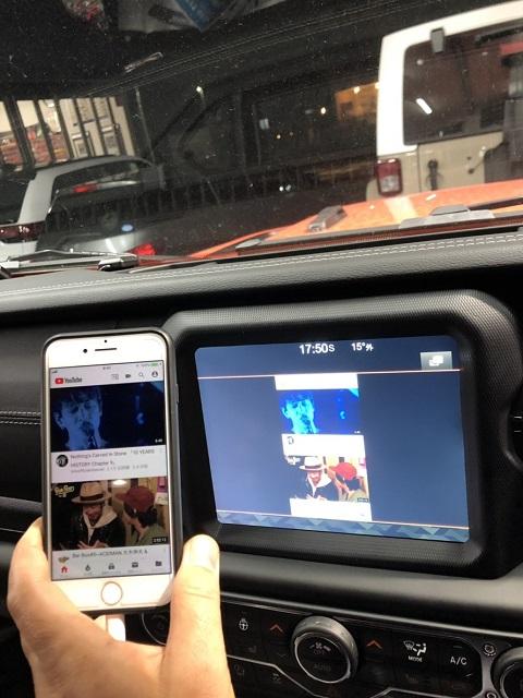 18y− ジープ ラングラー サハラ/ルビコン ディーラー車用 弊社オリジナル 純正モニター iPhone用 映像音声ミラーリング&キャンセラー キット