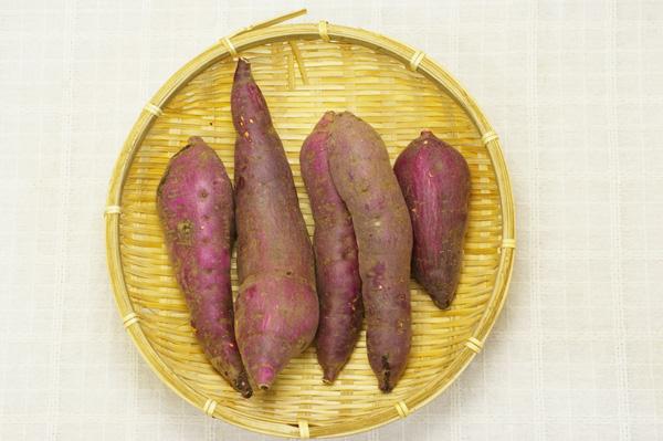 【無肥料・自然栽培】サツマイモ(紅はるか)1kg[熊本県:豊永佐代子さん]【v1000】